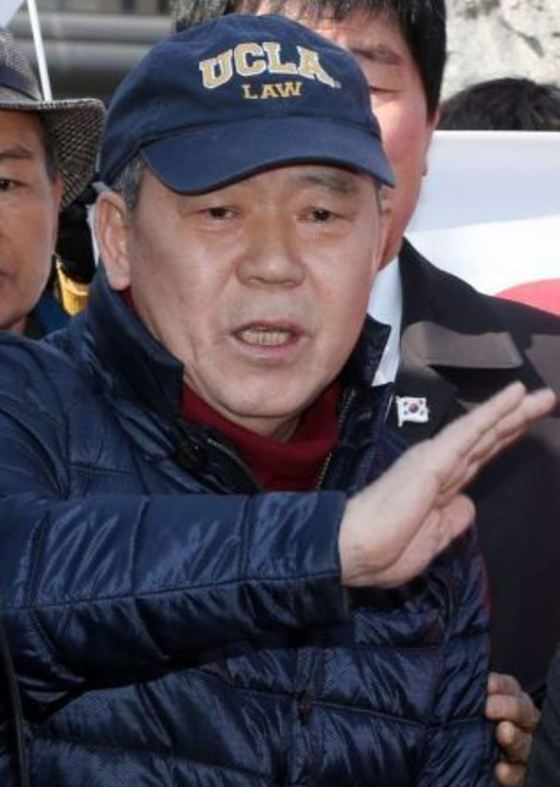 김평우 변호사. [중앙포토]