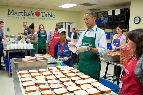 재임 중 각급 학교를 돌며 건강한 식생활을 강조한 버락 오바마 대통령.