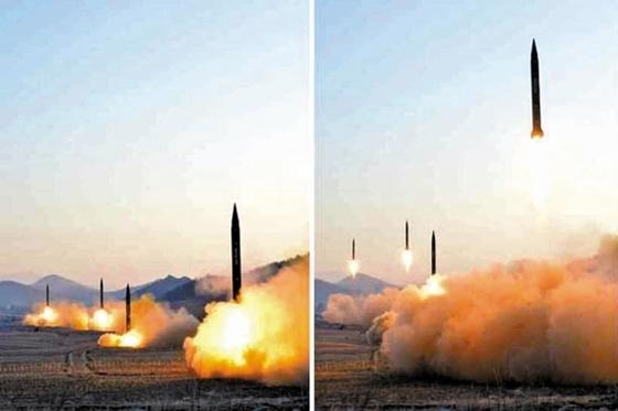 북한군이 지난 6일 평안북도 철산군 동창리에서 스커드-ER 미사일 4발을 발사하고 있다. [중앙포토]