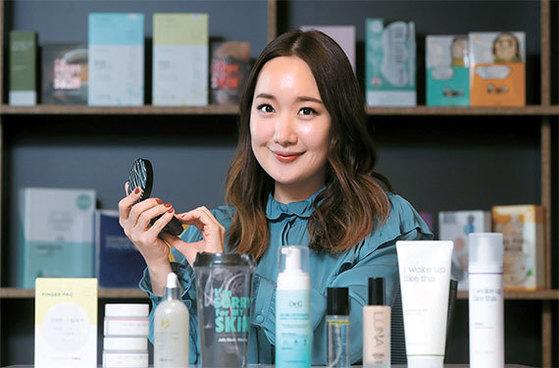 정다연 이사는 한국 화장품이 글로벌 브랜드로 발돋움하려면 미국을 공략해야 한다고 말한다. [사진 강정현 기자]