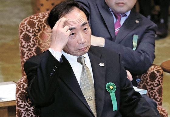 23일 일본 의회에 증인으로 출석한 가고이케 야스노리 모리토모학원 이사장. [AP=뉴시스]