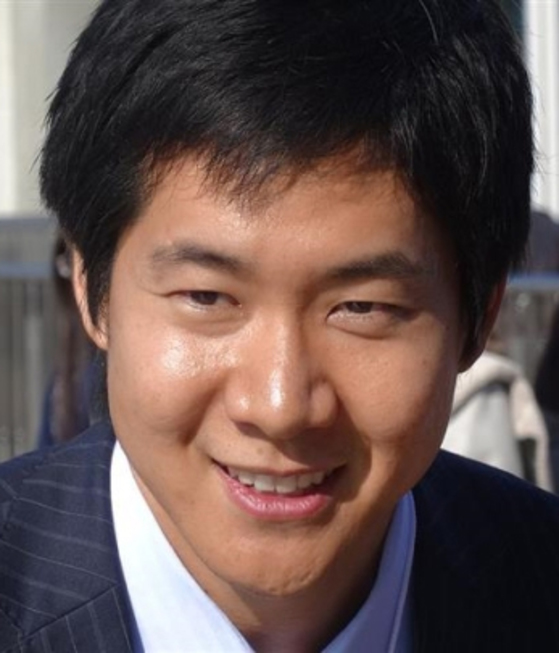 테니스 선수 출신으로 가수 활동도 하고 있는이시이 아나운서. [사진 일본 TBS]