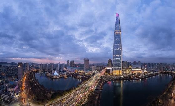 불꽃쇼가 펼쳐칠 롯데월드타워의 모습 [사진 롯데물산]