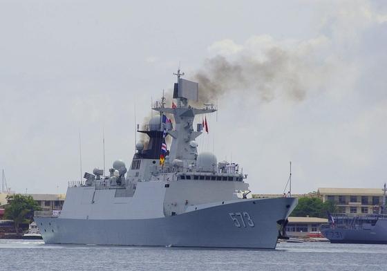 장카이급은 중국 해군 호위함 중 최초로 스텔스 설계를 적용했다. 장카이 1급 Type 360s 2차원 레이더, 8연장 HQ-7 대공미사일 등을 장착했고, 장카이 2급은 대공미사일 체계를 더 강화해 자함 방공능력을 향상시켰다. [출처: 중국 인민해방군 해군]