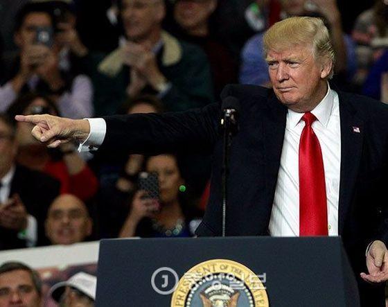 트럼프 대통령은 이날 켄터키주 루이스빌에서 연설했다. [로이터=뉴스1]