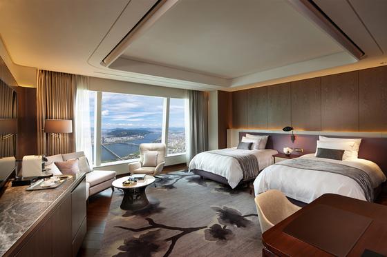 세계 2위 초고층 호텔에서 즐기는 아찔한 전망