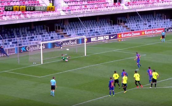 바르셀로나B팀이 엘덴세와 경기에서 12-0으로 이겼다. 경기가 끝난 뒤 일부 선수들이 승부조작 의혹을 폭로했고 스페인 프리메라리가는 조사에 착수했다. [유튜브 캡쳐]