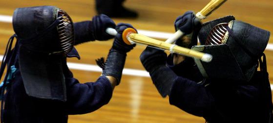 일본의 총검술은 일본 군국주의의 상징으로 여겨진다 [중앙포토]
