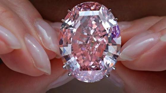 세계에서 가장 큰 핑크 다이아몬드 '핑크 스타'