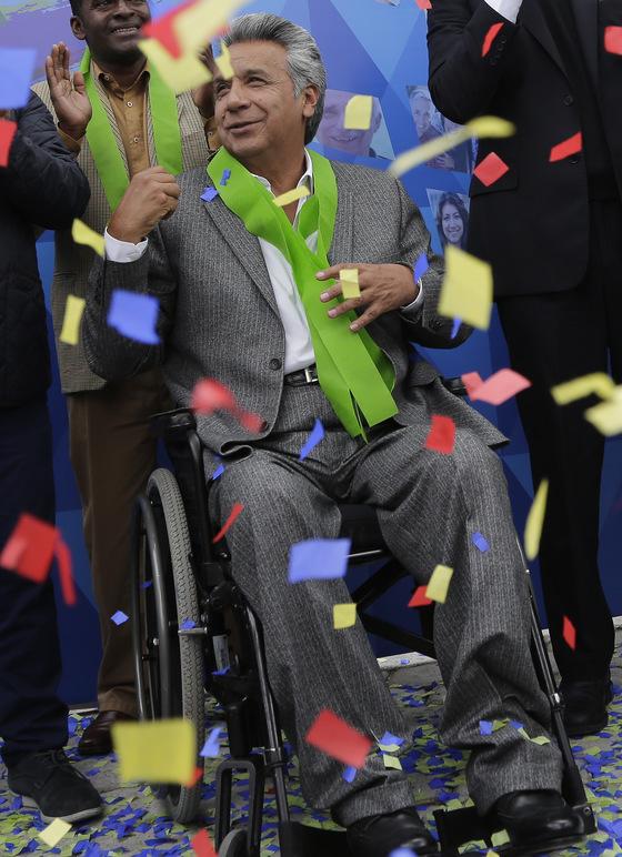 에콰도르 좌파 집권여당 국가연합당(알리안사 파이스)의 레닌 모레노 후보가 2일(현지시간) 치러진 대선 결선투표에서 차기 대통령으로 선출됐다. [AP=뉴시스]