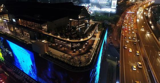 태국 방콕 클럽 거리에 자리잡은 YG리퍼블리크. 방콕점을 시작으로 해외 진출에 나선다. [사진 YG푸즈]