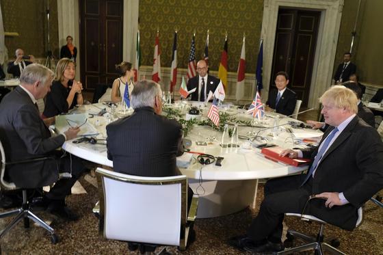 이탈리아 로마에 모인 G7 에너지장관. [AP=뉴시스]