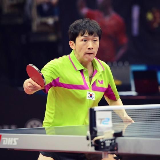 16일 아시아탁구선수권대회 준결승전에서 경기에 임하는 정상은. [ITTF]