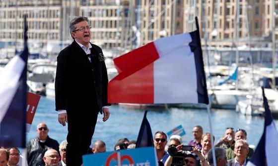 지난 9일(현지시간) 프랑스 마르세유에서 유세하는 장뤼크 멜랑숑.이날 유세엔 그의 지지자 약 7만 명이 모였다. [로이터=뉴스1]