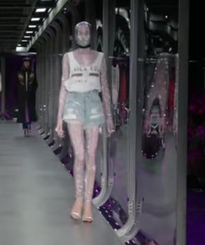 [사진 유튜브 영상 캡처(제목 - Gucci   Fall Winter 2017/2018 Full Fashion Show   Exclusive, 채널 - FF Channel)]