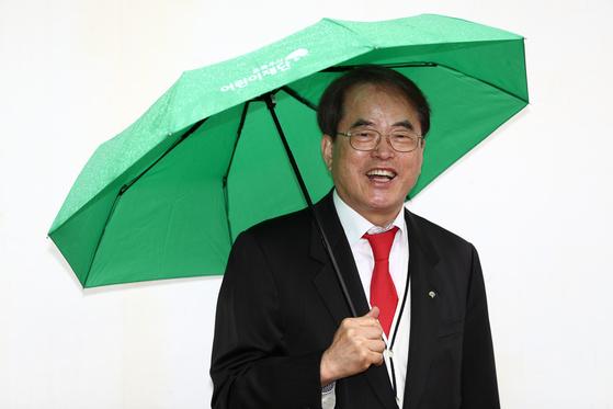 대선을 앞두고 '아동정책, 공약 제안서'를 발표한 이제훈 초록우산 어린이재단 회장. [김현동 기자]