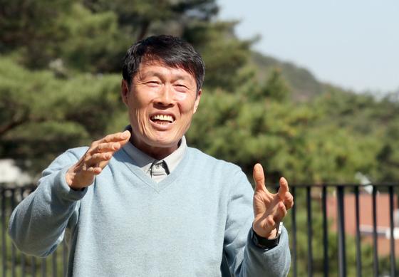 차범근씨가 19일 서울 평창동 자택에서 중앙일보와 인터뷰하고 있다. 최정동 기자