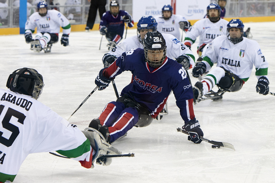 세계선수권 이탈리아전에서 드리블하고 있는 이종경. [사진 대한장애인체육회]