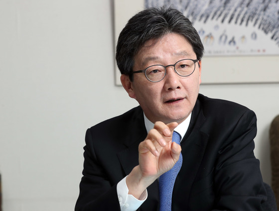 유승민 바른정당 후보가 국회 의원회관에서 중앙일보와 인터뷰했다.강정현 기자