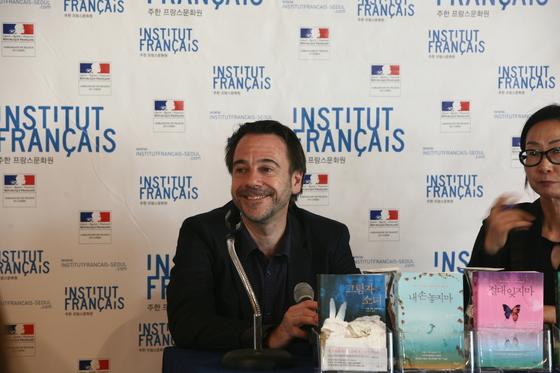 지리학과 교수이자 추리소설가인 미셸 뷔시.『절대 잊지 마』 출간에 맞춰 19일방한했다.ⓒ문홍진