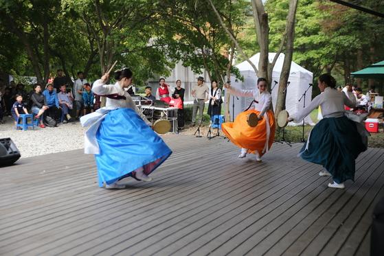 국립공원에서 열렸던문화 행사 모습. 전통 국악 공연.[사진 국립공원관리공단}
