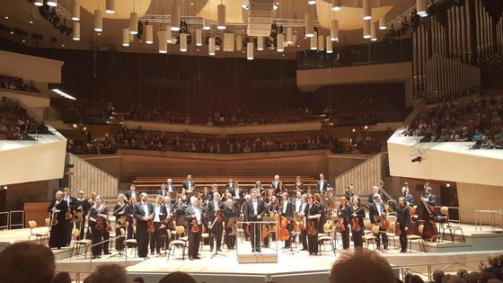 24일 독일 베를린에서 베를린심포니와 지휘자 오충근의 공연이 열렸다. [사진 류태형 음악칼럼니스트]
