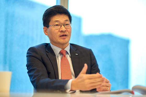 """송기홍 한국 IBM GBS 대표는 """"왓슨이 의료계보다 유통업계에서 더 바빠질 것""""이라고 말했다. [사진 한국IBM]"""