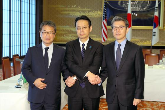 왼쪽부터 조셉 윤, 가나스기 겐지, 김홍균.