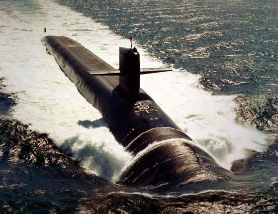 25일 부산에 입항하는 미 해군의 핵추진 잠수함 미시건함(SSGN 727).  [사진 미 해군]