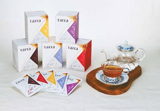 동서식품의 프리미엄 홍차 브랜드 '타라'는 세계 3대 홍차로 꼽히는 인도의 '다즐링'을 비롯해 인도의'아쌈', 스리랑카 '캔디', 스리랑카 '우바' 등의 품종을 베이스로 만들어졌다. [사진 동서식품]