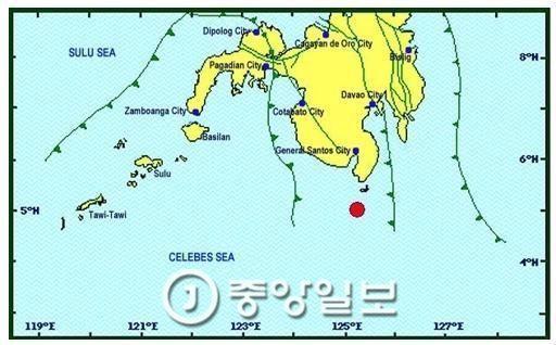 29일 오전 규모 7.2 지진 발생한 필리핀 민다오섬 해안 [사진 필리핀 화산지질연구소 홈페이지 캡쳐]