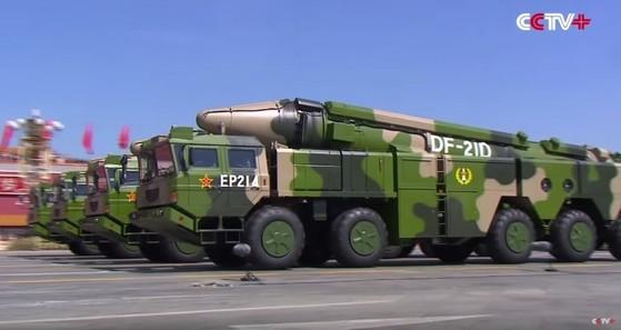 항공모함 킬러로 알려진 '둥펑-21D' [사진 중앙포토]