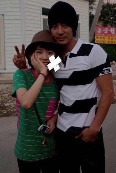 '전진의 여고생4' 당시 최은희(왼쪽)와 가수 전진. [사진 온라인 커뮤니티]