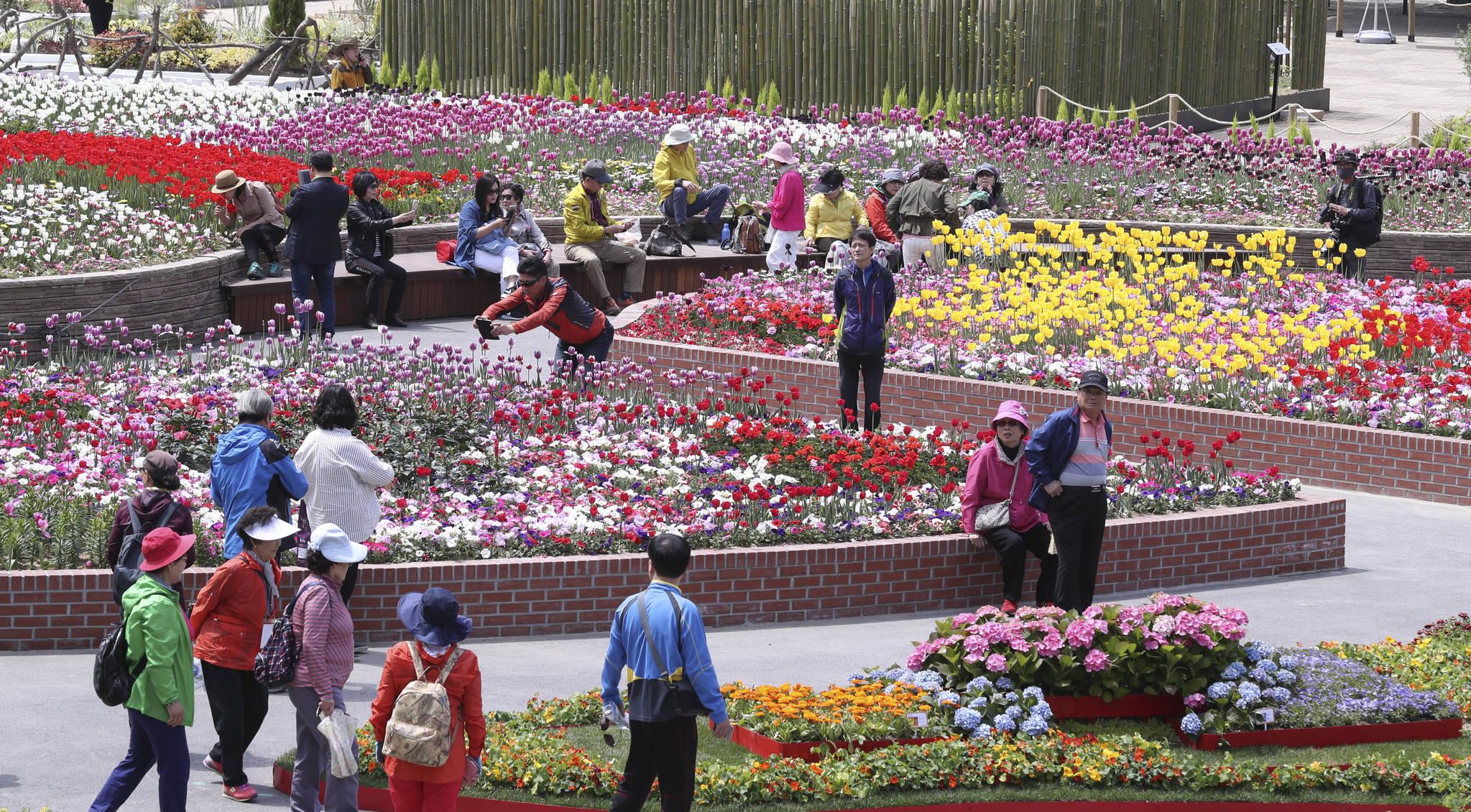 황금연휴를 앞두고 28일 많은 사람이 고양국제꽃박람회를 찾았다. 임현동 기자