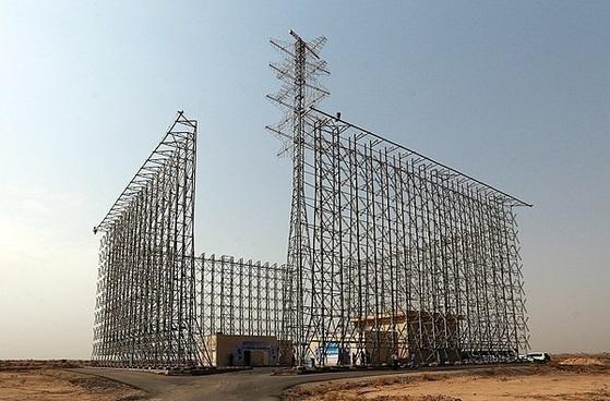 이란에서 개발한 OTH 레이더 [사진 Farhang news]
