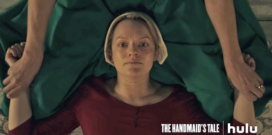 미국 동영상 서비스 훌루에서 새롭게 시작한 드라마 '핸드메이즈 테일(시녀 이야기)'. 오직 아이를 낳는 것만이 시녀들의 임무다.[사진 훌루]