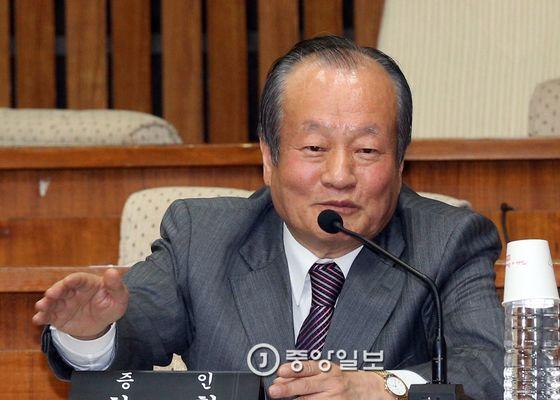 최환 전 서울지검장의 2015년 모습 [중앙포토]