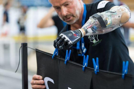지난해 스위스 취리히에서 열린 '사이배슬론' 대회. 손상된 기능복원에 활용되는 과학기술은 머지않아 비장애인들에게도 상용화될 가능성이 크다.[사진 취리히연방공과대학 홈페이지]