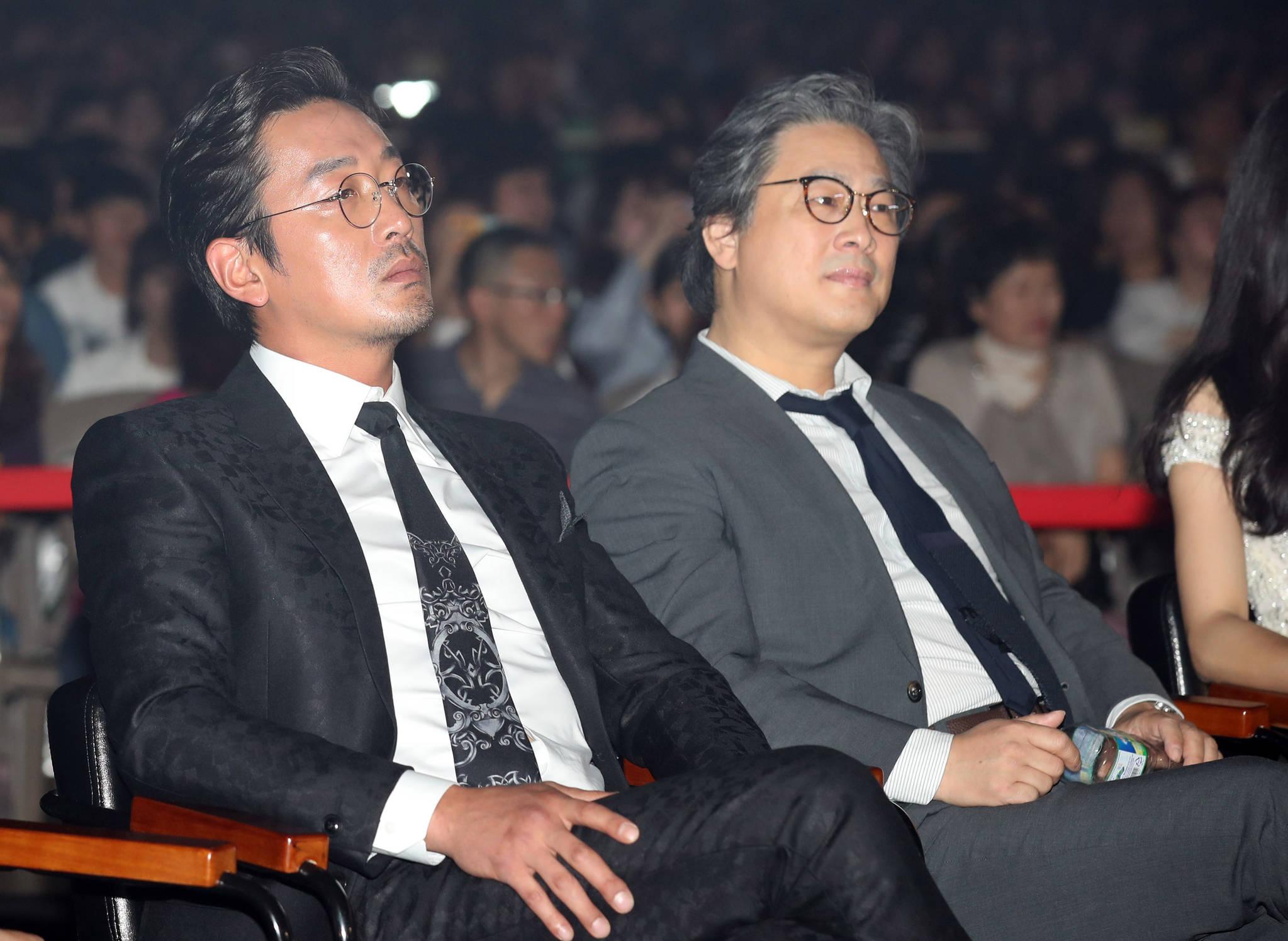 제53회 백상예술대상 시상식,하정우 박찬욱 대상발표직전 표정