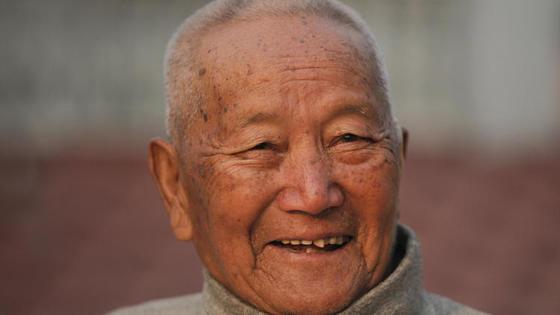 최고령으로 에베레스트 등반을 도전하다 숨진 네팔 산악인 민바하두르 셰르찬. [시카고트리뷴 온라인판 캡쳐]