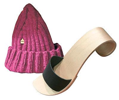 핀란드 브랜드 '미시파리미'의 모자와 '마리타 후리나이넨'의 자작나무 구두.