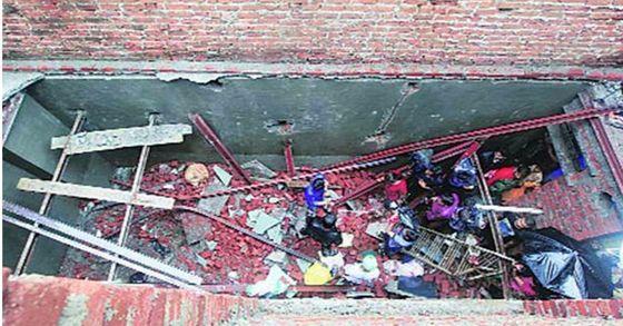 인도 라자스탄주에서 발생한 결혼식장 벽 붕괴사고로 22명이 숨지고 28명이 다쳤다. [사진 Dailythanthi ]