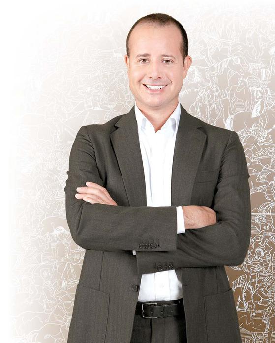 피에르 알렉시 뒤마 에르메스 아티스틱 디렉터는 180년 전 브랜드를 창업한 티에리 에르메스의 6대손이다.