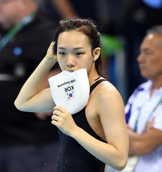 수영 김서영 선수가 4일 오전(현지시간) 브라질 리우데자네이루 바하 올림픽 수영장에서 훈련을 하고 있다.