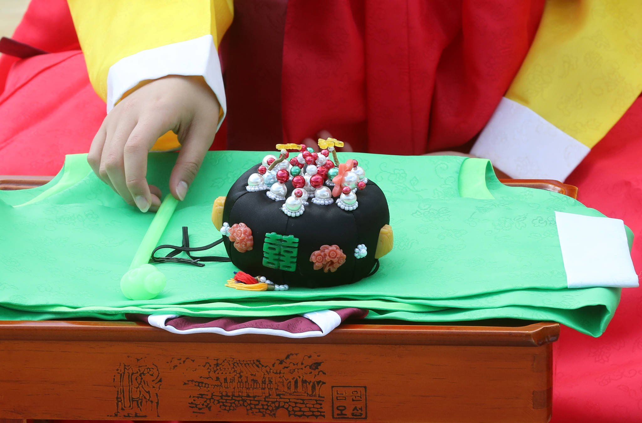 서울시가 주최하고 예지원이 주관한 성년의날 전통기념식이 15일 서울 남산한옥마을에서 열렸다.강정현 기자