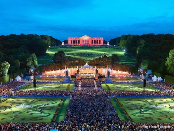 비엔나 필하모닉 콘서트 상영 행사가 26일 난지한강공원에서 열린다. 사진은 2016년 비엔나 공연 실황 모습. [사진 비엔나관광청]