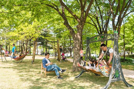 양천구의 '아빠공원'은 아빠와 아이들이 함께 즐길 수 있는 놀이터다. [사진 양천구청]
