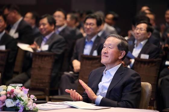 17일 GS타워에서 열린 'GS 밸류 크리에이션 포럼'에 참석한 허창수 회장. [사진 GS그룹]