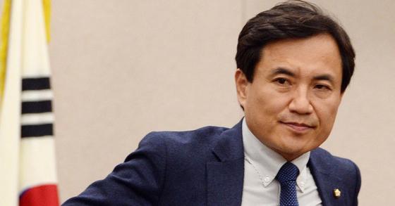 자유한국당 김진태 의원.[중앙포토]