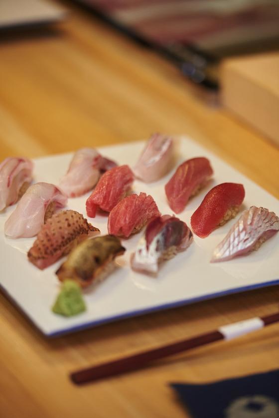 '스시호시카이'는 참돔·다금바리·자리돔·생고등어뱃살 등 제주 앞바다에서 나는 생선으로 스시를 낸다.[사진 밀리우, 제주푸드앤와인페스티벌]